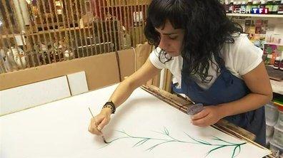 En Gironde, elles sont peintres sur soie de mère en fille