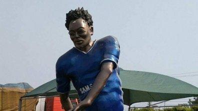 Essien a aussi le droit à sa statue ratée