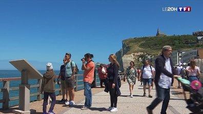 Etretat fait toujours le plein de touristes, et pourtant, tout a changé