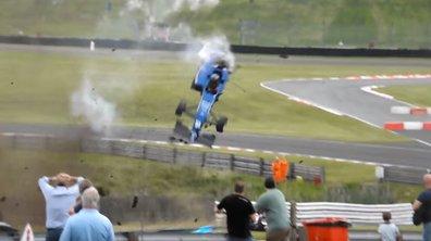 Insolite : Un pilote frôle la mort en F3 Britannique !