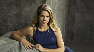 Arrow: découvrez les meilleurs looks d'Emilly Bett!