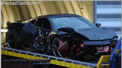 People Foot : La Ferrari 458 Italia de Louis Saha détruite