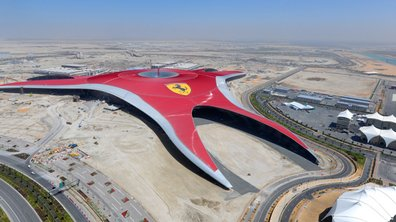 "Ferrari World : un parc d'attraction ""passion et sensations"""