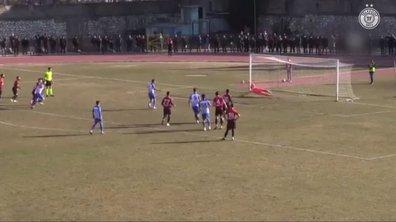 WTF : dans le même match, un gardien ET un défenseur arrêtent 3 pénalties