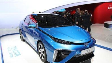 Mondial de l'Automobile 2014 : Toyota Fuel Cell Sedan, place à l'hydrogène