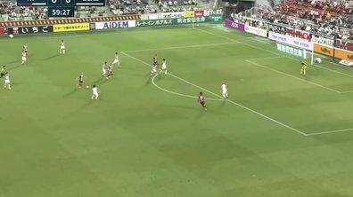 VIDEO - Iniesta REGALE au Japon