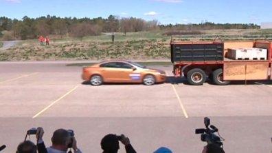 Insolite : Crash d'une Volvo S60 devant les journalistes
