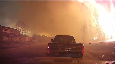 Insolite : Il fuit l'incendie de Fort McMurray avec sa voiture