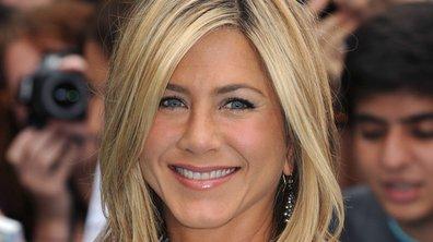 Jennifer Aniston : fête ses 43 ans entourée de Courteney Cox et Ben Stiller
