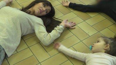Julia participe au cours de danse de Luna