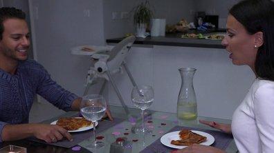 Julie fait une annonce à son mari dans l'épisode 17 de Mamans & célèbres