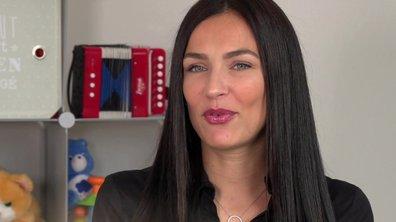 Julie fait une annonce dans l'épisode 40 de Mamans & célèbres