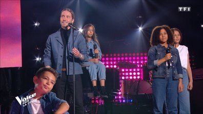 "The Voice Kids - Finale - Julien Doré et les talents chantent ""Barracuda"""