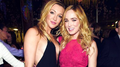 Arrow : Katie Cassidy et Caity Lotz in love !