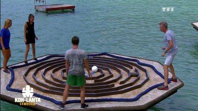 """""""Il a testé"""" n°5 : Denis Brogniart, équilibriste sur le labyrinthe flottant"""