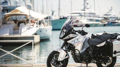 KTM 1290 Super Adventure 2015 : première photo et gros réservoir