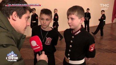 """""""Ça ne me fait pas peur de mourir"""" : à 10 ans, des jeunes Cosaques prêts à mourir pour la patrie"""