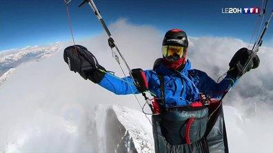 L'Himalaya vu du ciel : le défi fou d'un parapentiste français