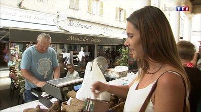 L'Île-Rousse : les vacanciers de septembre profitent des produits du marché