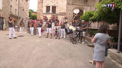 """La Fête de la musique animée par la """"Banda Les Cabécous"""" à Souillac"""