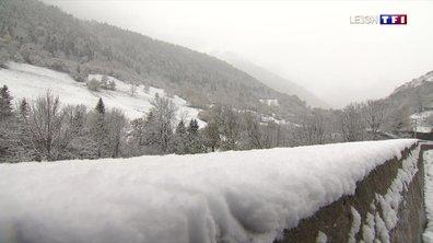 La neige continue de tomber dans les Pyrénées