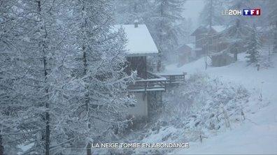 La neige tombe en abondance
