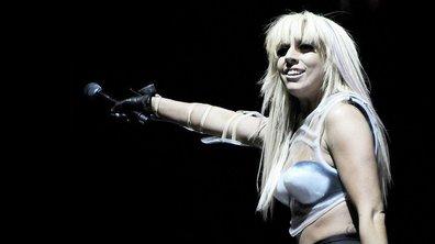 """Lady Gaga retrouve enfin ses """"littles monsters"""" à Paris !"""