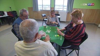Le plaisir de jouer aux cartes à Castelnau-le-Lez
