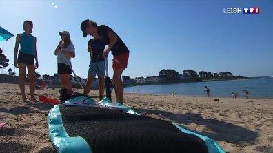 Le soleil qui brille et les plages prises d'assaut en Bretagne