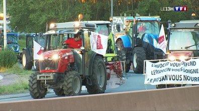 Les agriculteurs en colère bloquent Agen