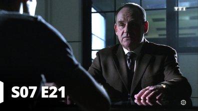 Les experts - S07 E21 - Un homme au tapis