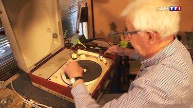 Les réparateurs d'objets anciens (3/4) : René Le Guyader restaure des magnétophones et des électrophones d'autrefois