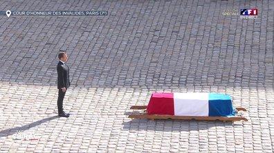 Emmanuel Macron se recueille devant le cercueil de Jacques Chirac