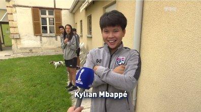 Quand une joueuse thaïlandaise imite Mbappé et Pogba !