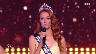 Iris Mittenaere félicite la grande gagnante Maëva Coucke, Miss Nord-Pas-de-Calais