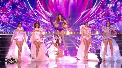 Surprise ! Iris Mittenaere défile en maillot de bain avec les 5 Miss finalistes et subjugue les internautes