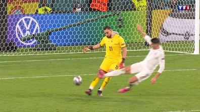Italie - Espagne : Morata manque de découper Donnarumma !