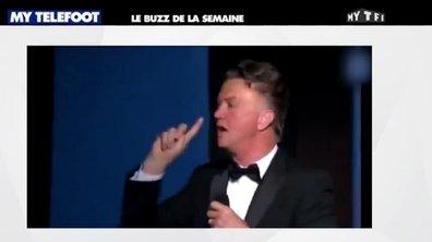 MyTELEFOOT - Le Buzz : Ivre, Louis van Gaal fait le show