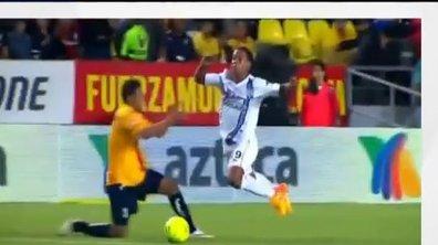 MyTELEFOOT - Le Buzz : La vilaine simulation de Ronaldinho