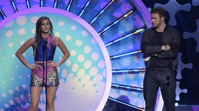 Nina Dobrev rend hommage à son personnage lors des Teen Choice Awards