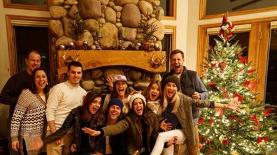 Vampire Diaries : Nina Dobev fête Noël au ski entre amis