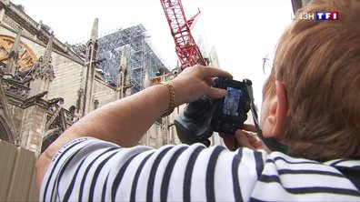 Notre-Dame de Paris attire encore les touristes