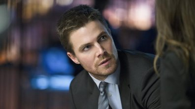 Arrow : Stephen Amell sort l'artillerie lourde pour le Super Bowl 2017