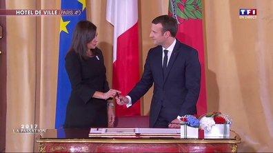La visite d'Emmanuel Macron à l'hôtel de ville de Paris