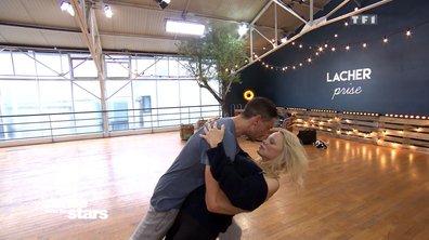 Répétitions : Pamela Anderson et Maxime : « Hug me »