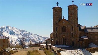 Pâques : des monastères d'habitude pris d'assaut se retrouvent désespérément vides