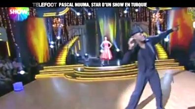 Insolite : Pascal Nouma danse à la télé en Turquie !