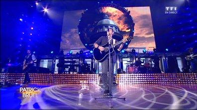 """VIDEO. Patrick Bruel chante """"Place des grands hommes"""" en Live sur TF1 (paroles)"""