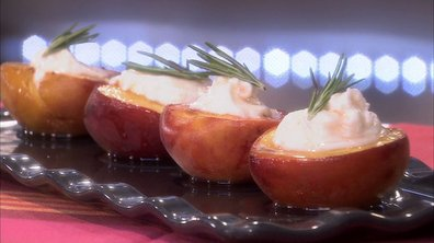 Pêches rôties au miel d'oranger et romarin