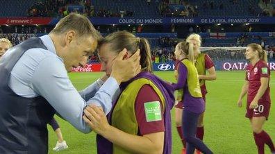 La très grande émotion de Fran Kirby (Angleterre) avec Phil Neville